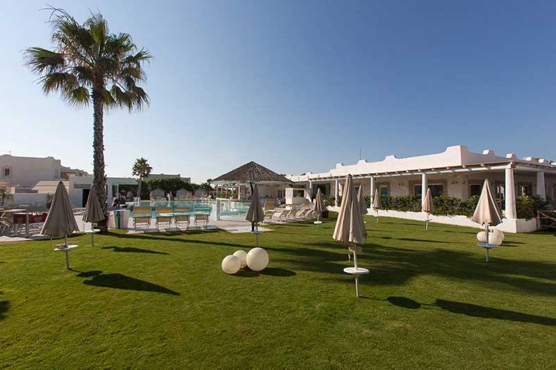 piscina-e-centro-servizi-case-vacanza-sicilia